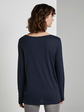 Long-sleeved shirt with V-opening - 2 - TOM TAILOR