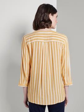 Gestreifte Bluse mit Taschen - 2 - TOM TAILOR