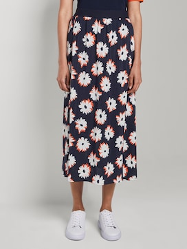 flowing skirt with a print - 1 - Mine to five