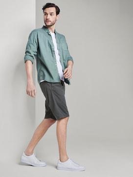 Gemusterte Josh Regular Slim Bermuda-Shorts mit Gürtel - 3 - TOM TAILOR