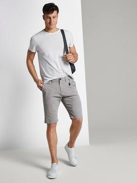 Getextureerde Chino Shorts met sleutelhanger - 3 - TOM TAILOR