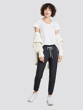 Loose-fit trousers with zippers - 3 - TOM TAILOR