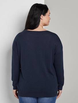 Pullover with a V-neckline - 2 - My True Me