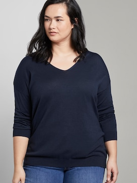 Pullover with a V-neckline - 5 - My True Me