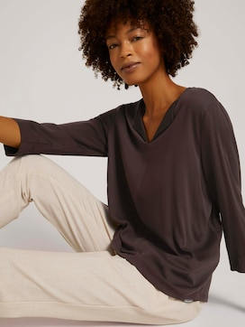 tunic blouse with a V-neckline - 5 - Mine to five