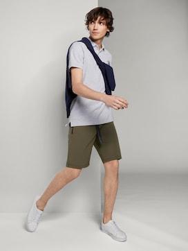 Basic Shorts mit Gürtel - 3 - TOM TAILOR Denim