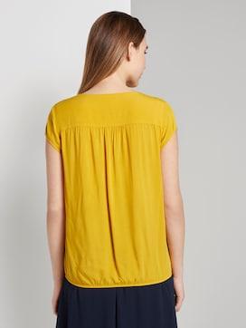 Patterned short-sleeved blouse with a reversed V-neckline - 2 - TOM TAILOR