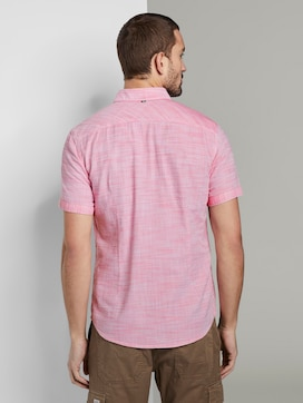 Short-sleeved shirt with a textured pattern and chest pocket - 2 - TOM TAILOR