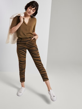 Tapered trousers in a zebra pattern - 3 - Mine to five