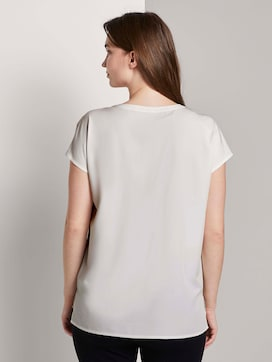 Short-sleeved blouse with chest pockets - 2 - Mine to five