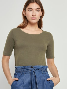 Basic T-shirt with a wide neckline - 5 - TOM TAILOR