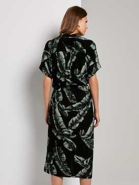 Fließendes Midi-Kleid mit Palmen-Print - 2 - Mine to five