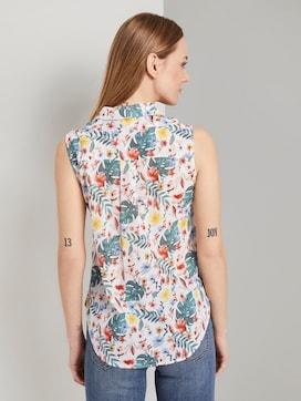 Sleeveless Henley blouse with side slits - 2 - TOM TAILOR