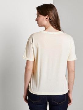 Lockeres T-Shirt mit kleiner Stickerei - 2 - Mine to five