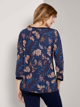 Sweatshirt with a floral print - 2 - TOM TAILOR