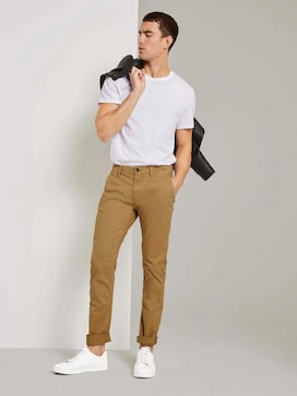 Travis slim chino trousers in a washed look - 3 - TOM TAILOR