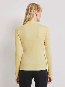 Ribbed long-sleeved top with a stand-up collar - 2 - Mine to five