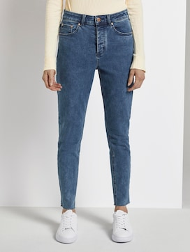 Emma Straight Jeans mit offenem Saum - 1 - Mine to five