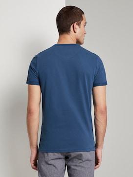 Henley-T-Shirt mit kleinem Schriftprint - 2 - TOM TAILOR