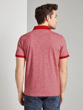 Fein gestreiftes Poloshirt mit Brusttasche - 2 - TOM TAILOR