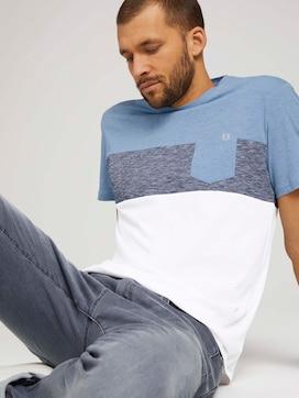 T-Shirt mit Blockstreifen und Brusttasche - 5 - TOM TAILOR