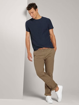 Gemusterte Travis Regular Chino Hose mit Gürtel - 3 - TOM TAILOR