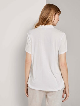 Buttoned T-shirt with ruffle details - 2 - TOM TAILOR