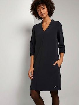 Kurzes Kleid mit elastischem Ärmelbund - 5 - Mine to five
