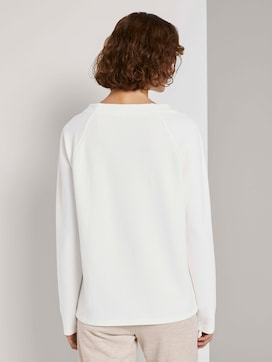 Sweatshirt with a striped structure and raglan sleeves - 2 - TOM TAILOR