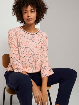 Bat blouse with a floral print - 5 - Mine to five
