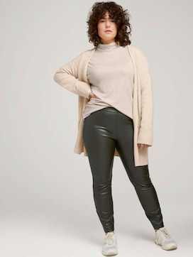 Leather-look leggings - 3 - My True Me
