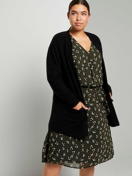 Boucle cardigan with pockets - 5 - My True Me