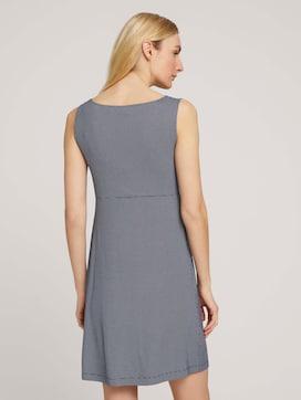 Mouwloze jurk uit jersey met V-hals - 2 - TOM TAILOR