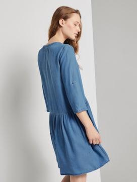 Buttoned denim dress with gatherings - 2 - TOM TAILOR Denim
