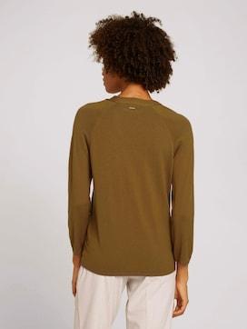 Pullover mit Bio-Baumwolle und V-Ausschnitt - 2 - Mine to five