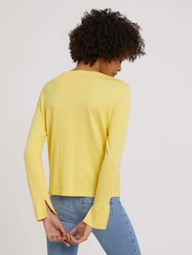 Soft jumper with a pocket - 2 - Mine to five
