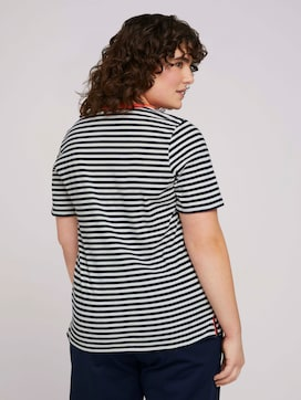 Striped t-shirt made with organic cotton  - 2 - My True Me