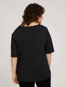 T-Shirt mit V-Ausschnitt - 2 - My True Me
