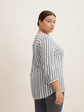 Striped Henley blouse - 5 - My True Me