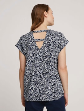 Patterned short-sleeved blouse with cut-out details - 2 - TOM TAILOR Denim