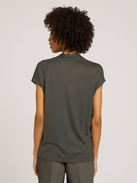 Lyocell t-shirt with a V-neckline - 2 - Mine to five
