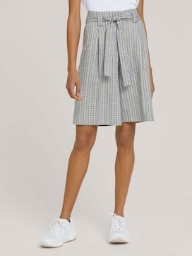 Checked Bermuda shorts with wide legs - 1 - Mine to five