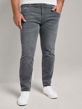 Slim Fit Jeans mit leichter Waschung - 1 - Men Plus