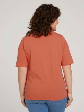 t-shirt with a V-neckline made of organic cotton - 2 - My True Me