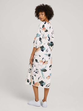 Floral midi dress with balloon sleeves - 2 - Mine to five