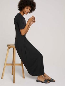 Pleated maxi dress - 5 - Mine to five
