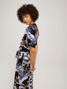Patterned midi dress with a collar - 5 - Mine to five