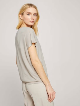 Strukturiertes T-Shirt mit elastischem Bund - 2 - TOM TAILOR