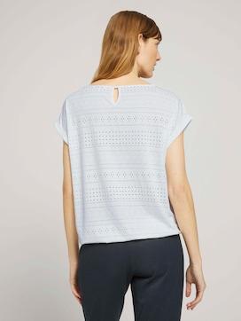 Elastisches T-Shirt mit Strukturmuster - 2 - TOM TAILOR