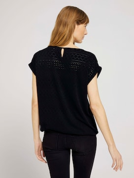 Elastic t-shirt with a textured pattern - 2 - TOM TAILOR
